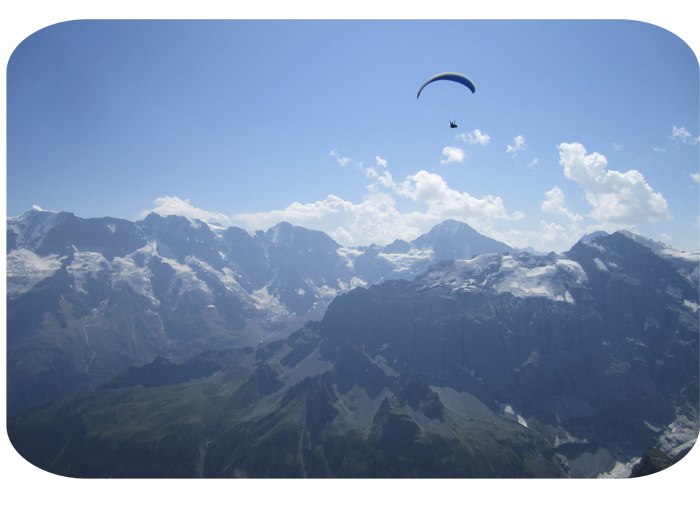 paraglider at the Schilthorn